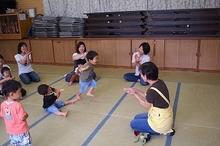 06hiroba(1).jpg